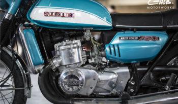 Suzuki 750 GT plein