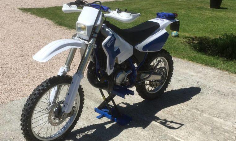 Yamaha 200 WR plein