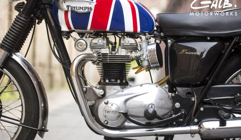 Triumph bonneville T 120 R plein