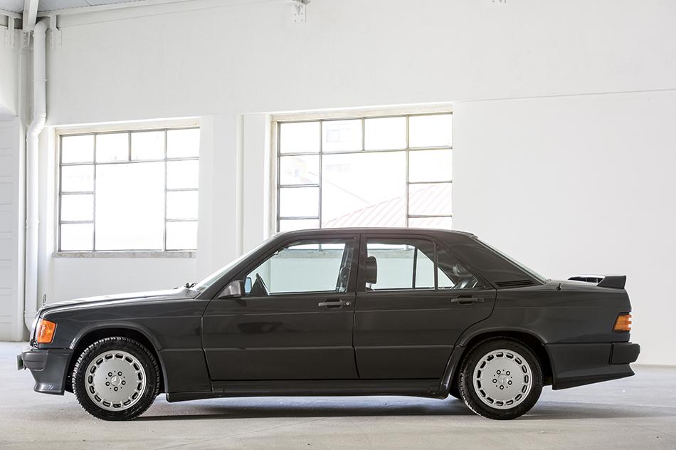Mercedes benz 190 e 2 3 16 2 les annonces collection for Mercedes benz lifestyle collection