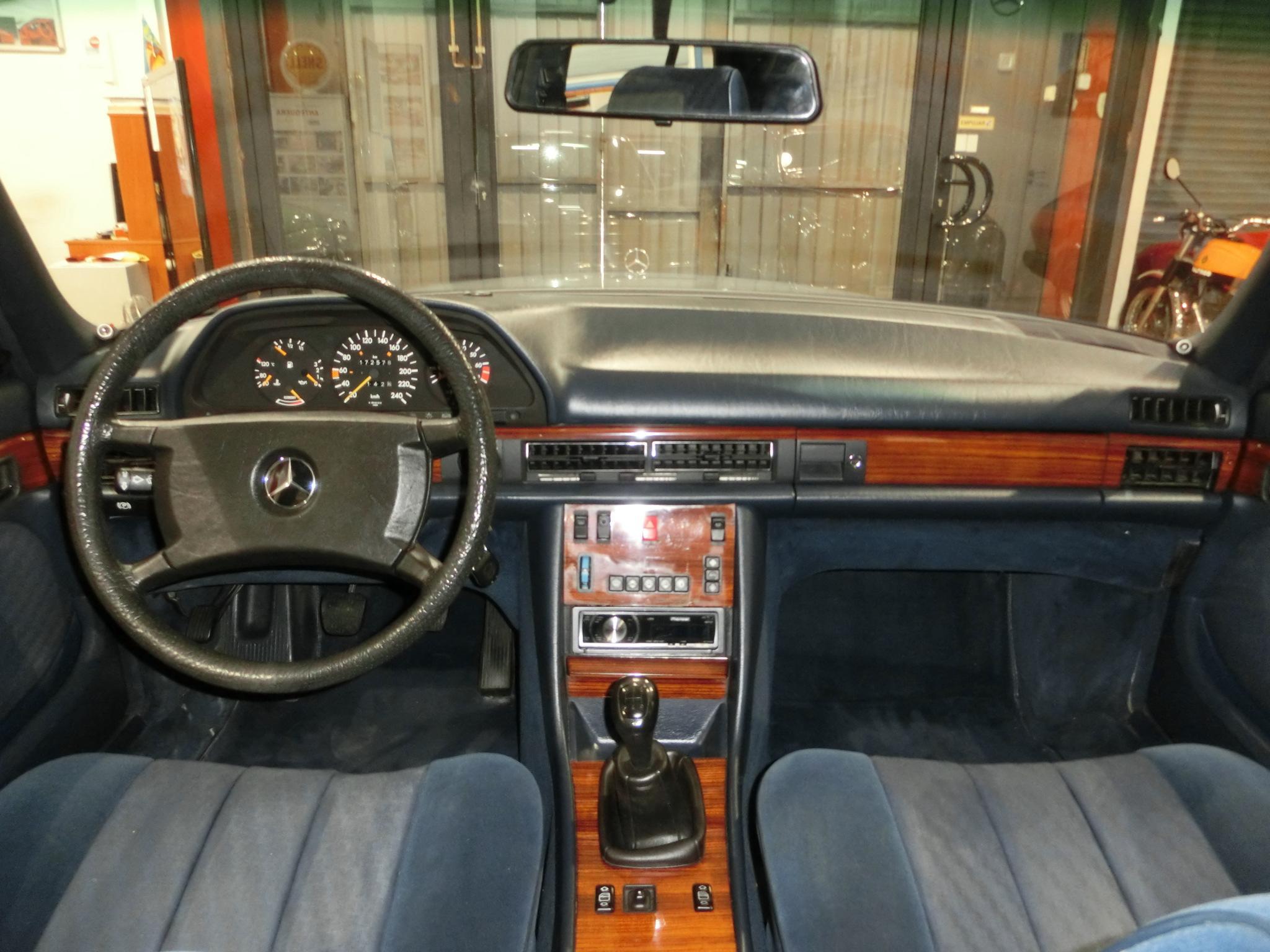 Mercedes benz 300 se 3 les annonces collection for Mercedes benz collection