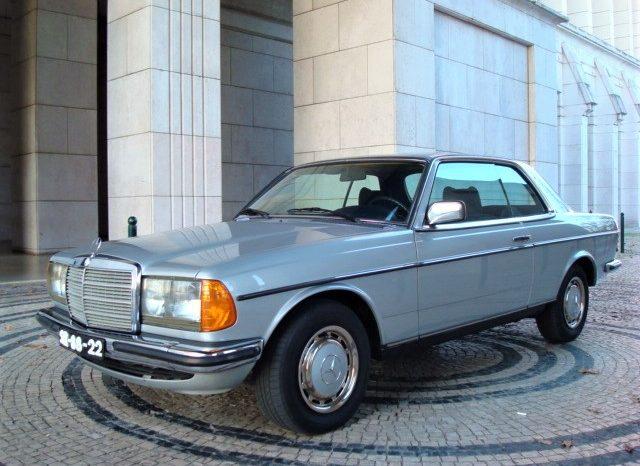 Mercedes benz 230 c les annonces collection for Mercedes benz lifestyle collection