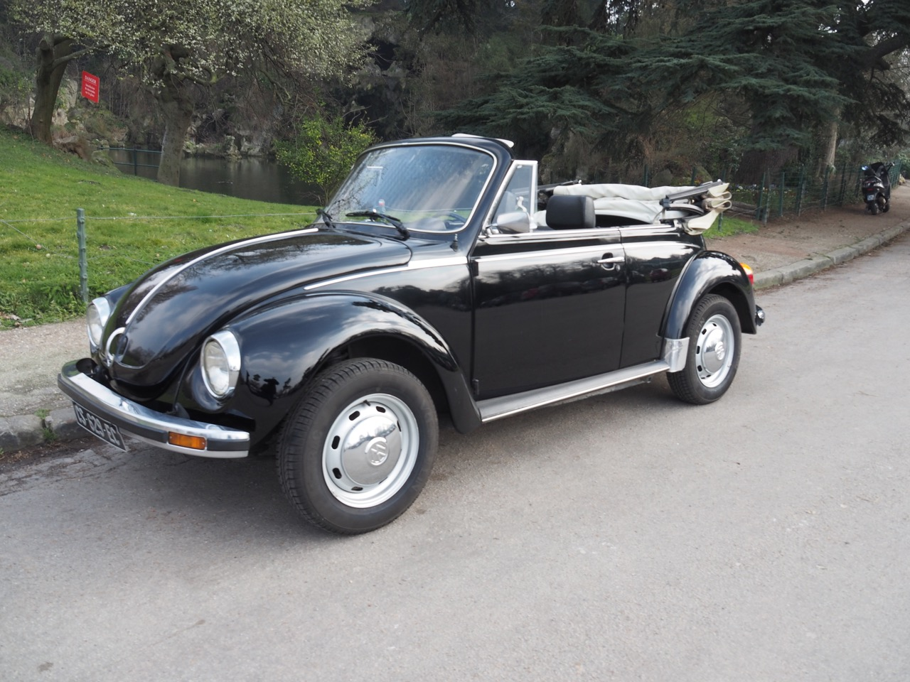 volkswagen coccinelle 1303 cabriolet the collection listings. Black Bedroom Furniture Sets. Home Design Ideas
