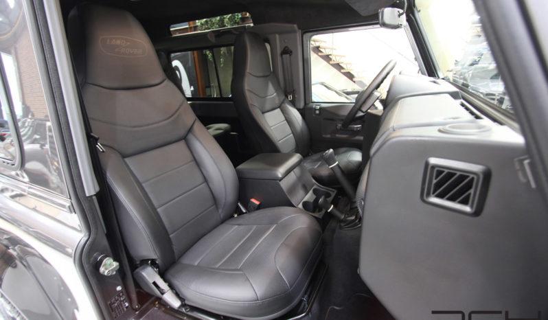 Land Rover Defender 90 TD4 SE Adventure full