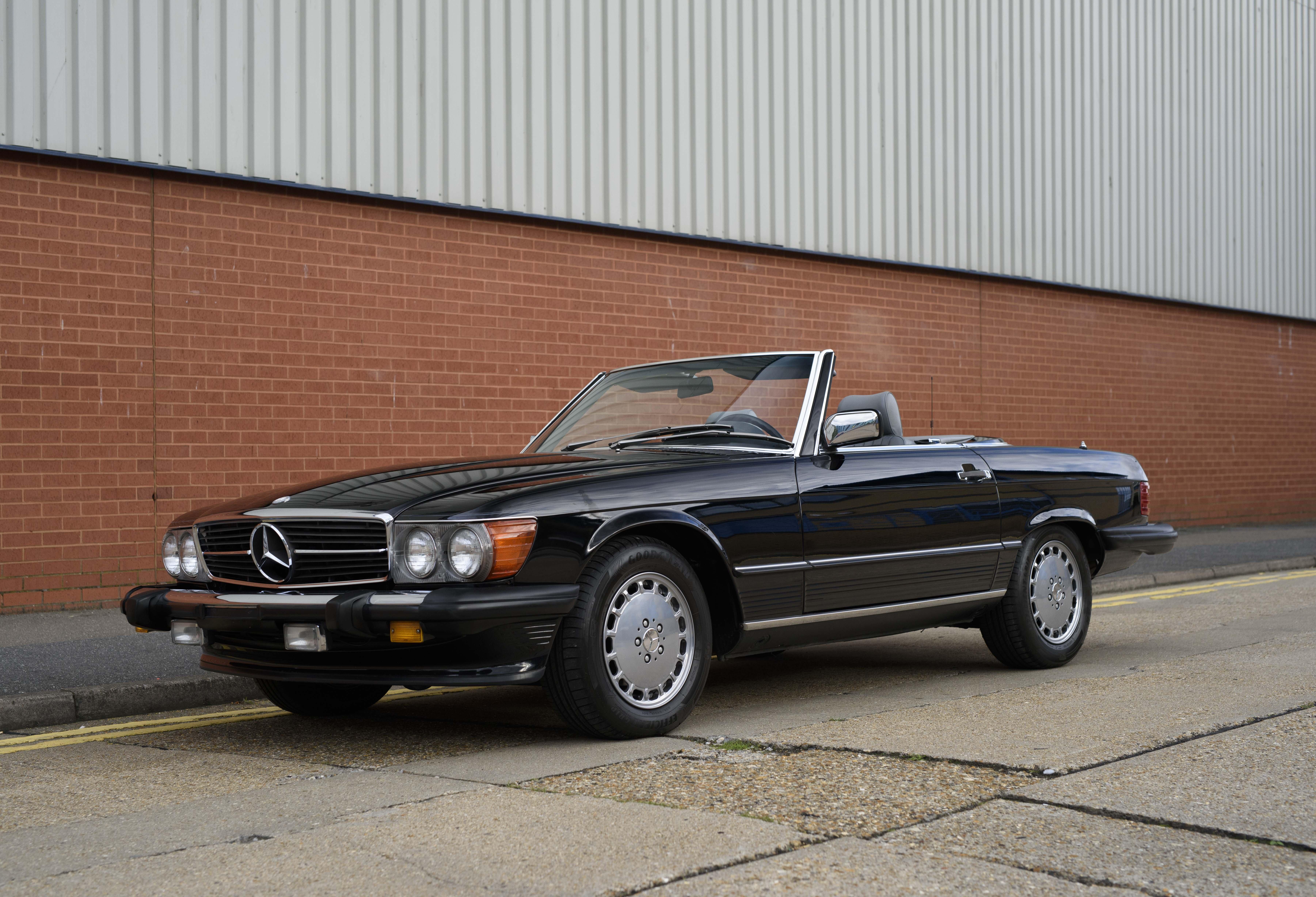 Mercedes Benz 560 SL | Les Annonces Collection