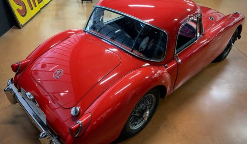 MGA 1500 Coupe full