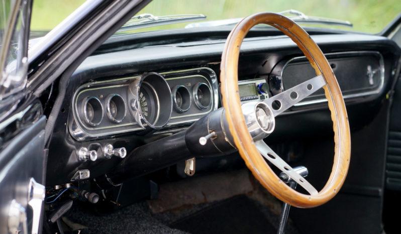 Ford Mustang V8 Coupe full