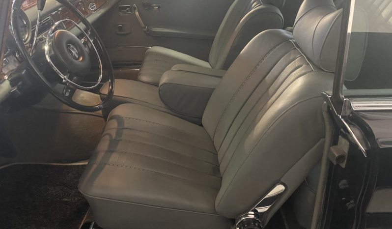 Mercedes 280 SE Coupe full