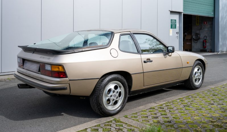 Porsche 924 full