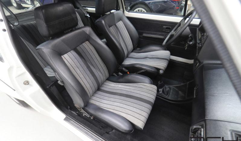Prestige Volkswagen Golf Compact full