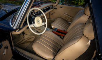 Mercedes-Benz SL Cabriolet full